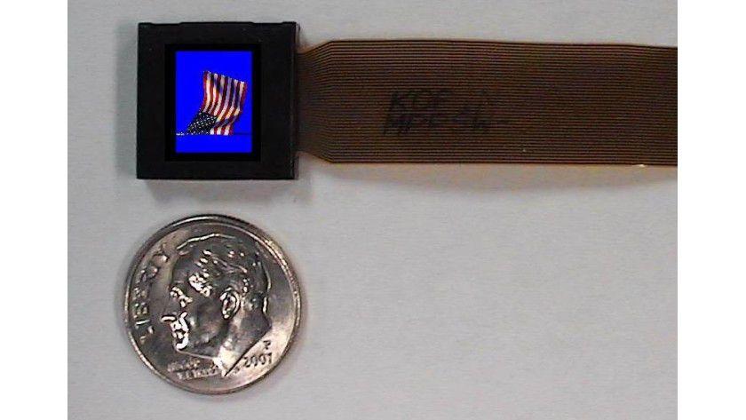Kleiner als eine Münze ist dieses Display mit SVGA-Auflösung.