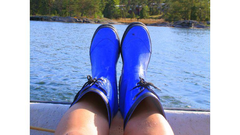 Beine hochlegen und weiterhin nichts tun? Ein paar einfache Tricks helfen, das wohlige Urlaubsgefühl in die erste Arbeitswoche hinüberzuretten.