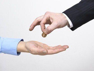 Gründer müssen sich künftig mit weniger Geld vom Staat zufrieden geben.