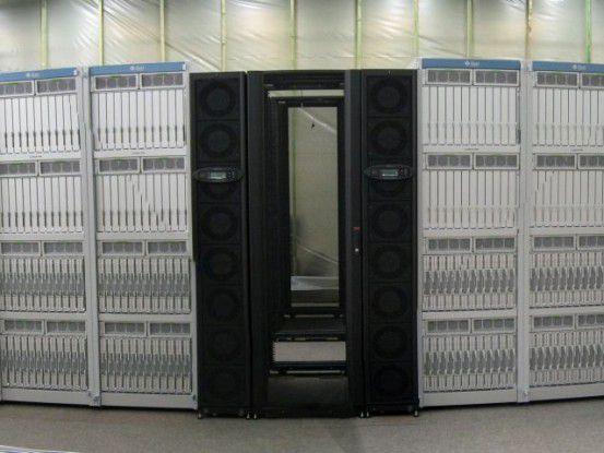 Auch der Hochleistungsrechner des DLR wird vom Outsourcing-Partner T-Systems betrieben.