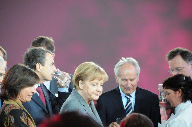 Bundeskanzlerin Angela Merkel will keinesfalls Ärger mit ihren Nachbarn. Sagt sie auf der CeBIT 2010.
