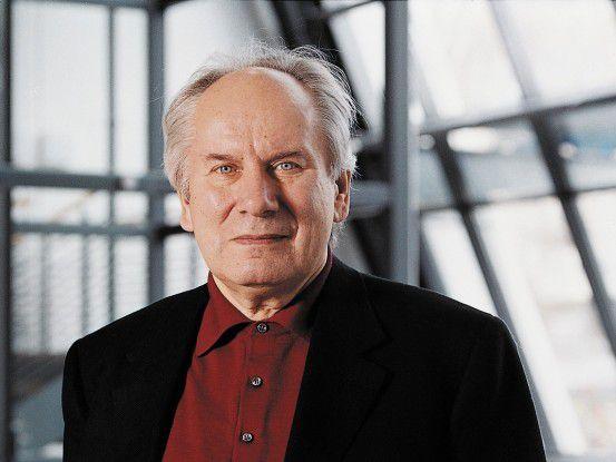 Bitkom-Präsident August-Wilhelm Scheer hilft jungen Gründern.