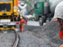 Gleise, Netzleittechnik und Signaltechnik sind drei Bereiche des auf Bahndienstleistungen spezialisierten britischen Unternehmens mit etwa 30 000 Mitarbeitern.
