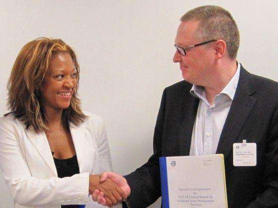 Volvos IT-Einkäuferin Louise Bäckmann mit dem schwedischen PC-ware-Manager Bo Wallin