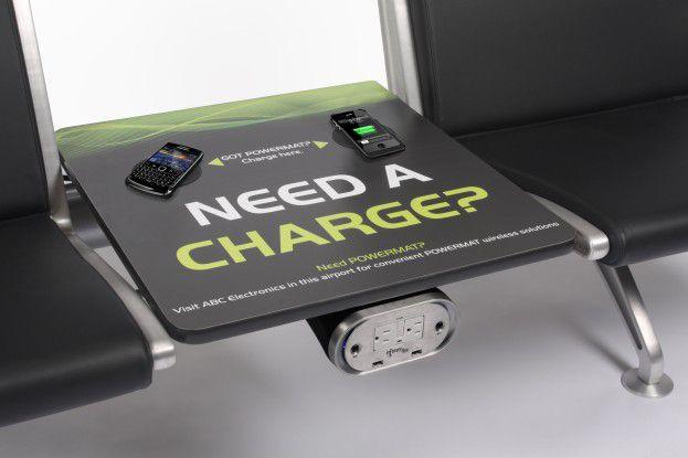 Ein europäischer Flughafen will seine Sitze in den Wartehallen mit Powermat ausstatten.