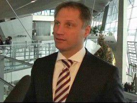 CeBIT-Chef Pörschmann freut sich über die Hilfsbereitschaft in der Messestadt Hannover.