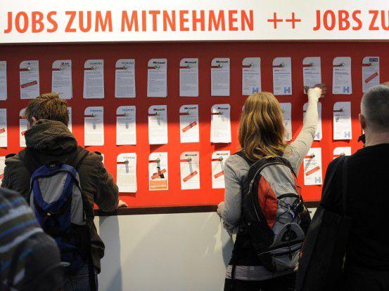 Jobs zum Mitnehmen gibt es nicht nur im Karrierezentrum der COMPUTERWOCHE auf der CeBIT in Halle 6.