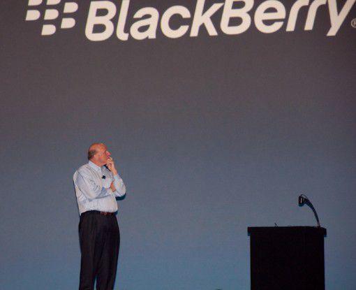Gedanken gemacht: Steve Ballmer verkündet, dass Bing der primäre Suchanbieter für BlackBerrys wird.