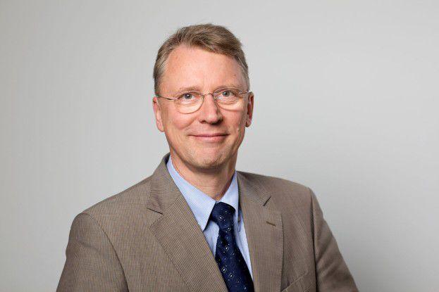 HPI-Direktor Christoph Meinel wäre bei seinem ersten großen Vortrag in den USA am liebsten im Boden versunken.