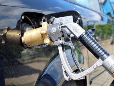 Auch Firmenfahrzeuge werden inzwischen manchmal mit Gas betankt.