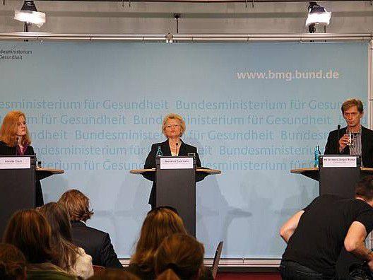 Die Drogenbeauftragte der Bundesregierung, Mechthild Dyckmans, bei der Vorstellung der PINTA-Studie heute in Berlin