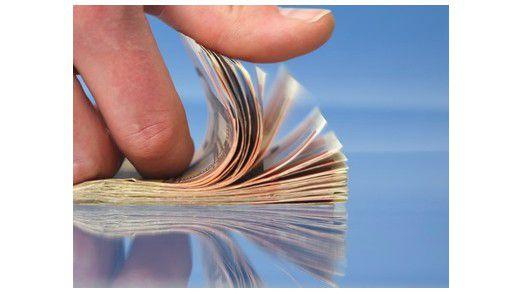 Vor allem die IT-Branche profitiert: Hier steigen die Gehälter am meisten.
