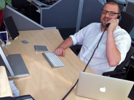 """Erik Gregg ist im Second-Level-Support bei Audi tätig: """"Erst mal die Anrufer beruhigen, bevor die Situation eskaliert."""""""