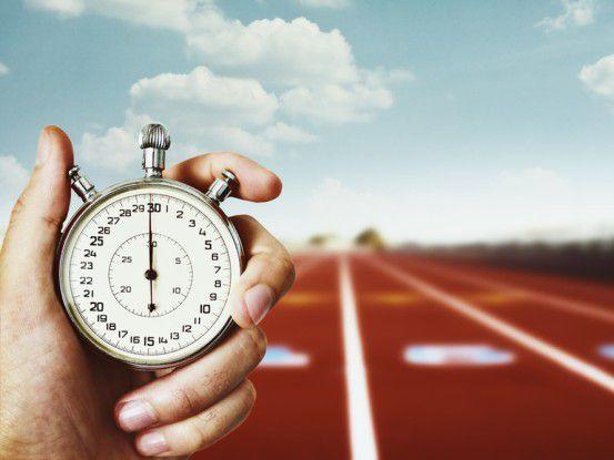 Zeit ist Geld: Die Unternehmens-IT muss heute sofort auf dynamische Wírtschaftsentwicklungen reagieren.