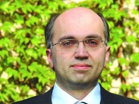 Xenofon Grigoriadis ist Oracle-Experte und seit 2005 selbständig.