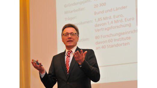 Wilhelm Bauer vom Fraunhofer-Institut IAO beschwor die Mitarbeiter-Cloud der Zukunft.
