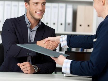 Endlich den passenden neuen Mitarbeiter gefunden? Nun gilt es, ihn auch zu halten.