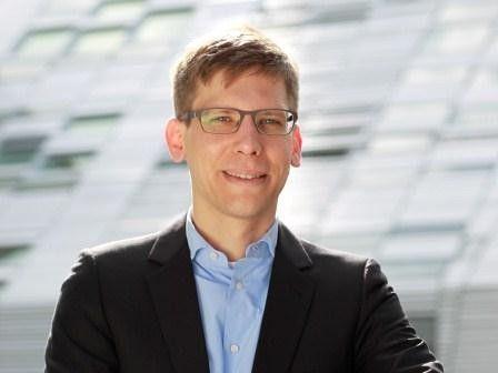 Jonas Danzeisen, Gründer und Geschäftsführer von emobility2go, baut mit seinem Unternehmen Strom-Ladestationen der besonderen Art.