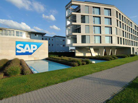 Mit einer neuen SAP-Lösung können Unternehmen Meinungen, die Kunden auf Facebook oder Twitter posten, aufspüren, visualisieren und analysieren.