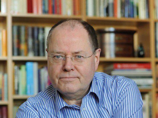 SPD-Kanzlerkandidat Peer Steinbrück: Seine Helfer befüllen die Online-Kanäle.