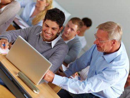 Absolventen der Informatik haben gute Jobchancen. Aber auch sonst lohnt es sich, einen Beruf in der IT anzustreben.