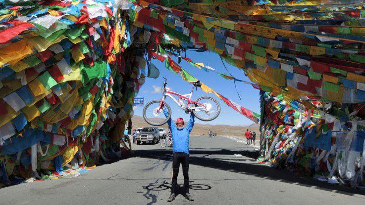 Rehau-CIO Thomas Schott ist ein begeisterter Mountainbiker, der gerne international unterwegs ist.