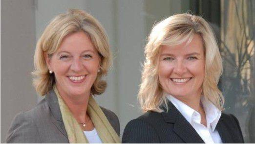 Christina Tabernig (links) und Anke Quittschau von der Agentur korrekt! sind Expertinnen in Sachen Etikette.