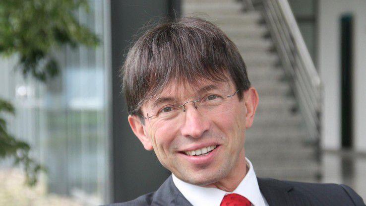 Gunther Olesch, Geschäftsführer bei Phoenix Contact, bietet seinen Mitarbeitern bei Problemen die Unterstützung durch eine Sozialpädagogin an.