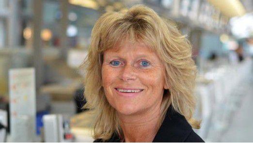 CIOs müssen den Spagat schaffen, nach oben und unten zu führen. Coach Gudrun Happich erläutert, wie das geht.