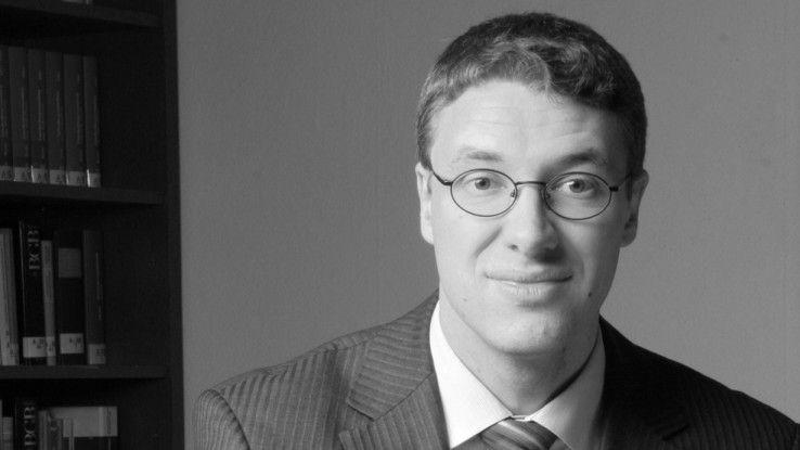 Rechtsanwalt Oliver Stöckel moderierte das Rechtsforum.
