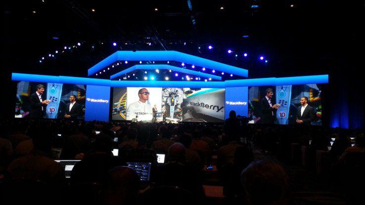 Thorsten Heins und Lewis Hamilton: Autos spielen bei Blackberry eine große Rolle.