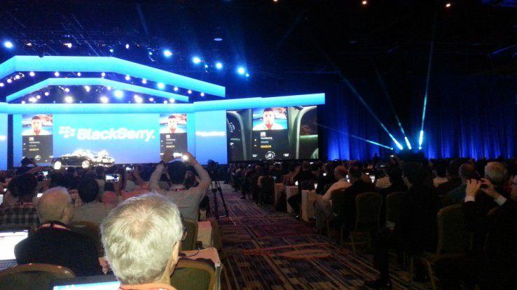 Live-Demo auf der Bühne: Videokonferenz im Bentley.