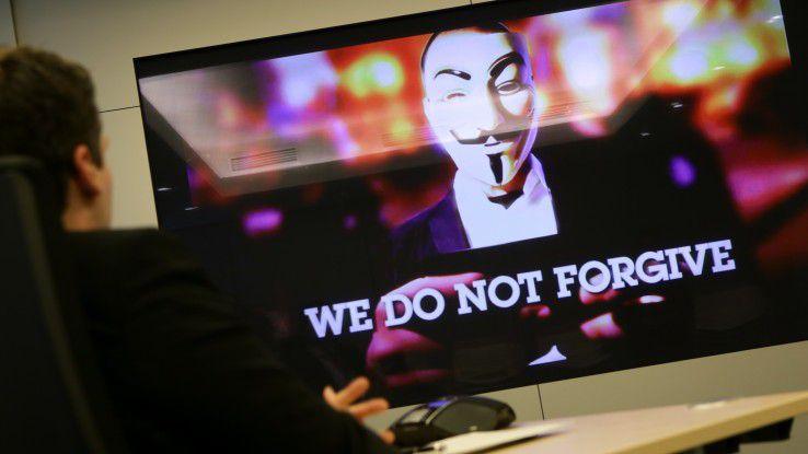 Zugegeben, etwas plakativ ist es schon - doch wer einmal in ein Guy-Fawkes-Gesicht geblickt hat, weiß um die Bedrohung seiner Unternehmens-IT.