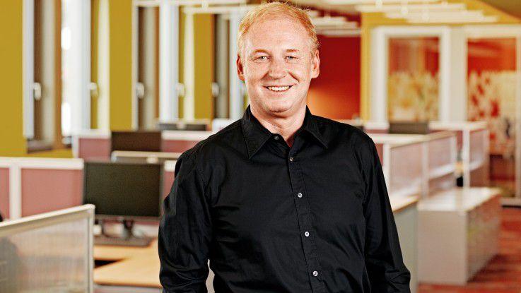 Joachim Schreiner begleitet Unternehmen auf ihrem Weg zur Neuausrichtung in die Cloud.