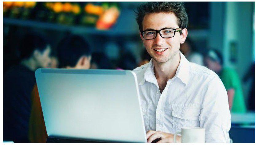 Immer mehr Unternehmen setzen auf Online-Arbeit. Als Freelancer sind Mobile Developer, Web-Entwickler und virtuelle Assistenten besonders begehrt.
