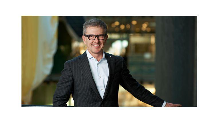 """Max H.-H. Schaber, Vorsitzender des Vorstands bei Datagroup: """"Mit unserem ISO 20000-zertifizierten Prozess-Knowhow und der persönlichen Nähe zu unseren Kunden, sind wir der ideale Partner für den IT-Betrieb bei mittleren und großen öffentlichen Auftraggebern und Unternehmen."""""""