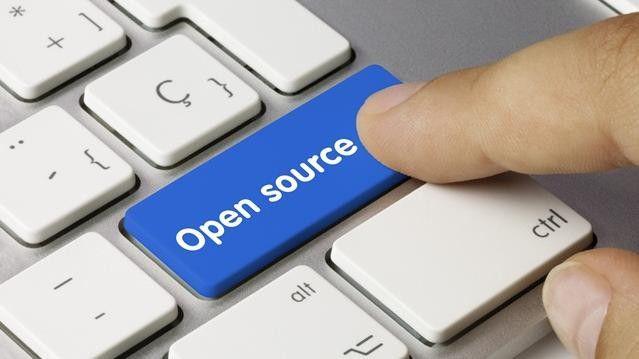"""Vor rund 25 Jahren begann die """"Freie Software"""" als eine kleine Gruppe von Programmierern, die sich gegen die Kommerzialisierung ihrer Arbeit sträubten. Heute treiben Open Source-Programme große Teile des Internets an und machen den Größen der Softwareindustrie ernste Konkurrenz. (Bundeszentrale für polotische Bildung)"""