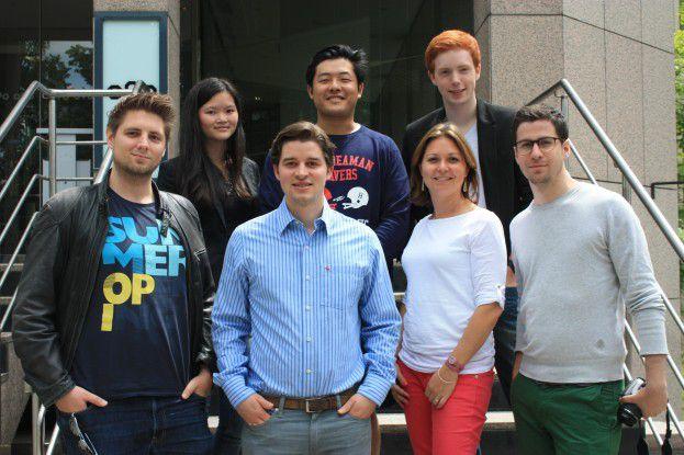 Informatiker Michael Blazek (vorne links)hat mit Carl Hoffmann (zweiter von links) und Lionel von Dobeneck (rechts) die Online-Börse Jobcrowd gegründet, über die Stellen empfohlen werden.