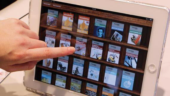 Die Fraunhofer Academy erweitert ihr Angebot an E-Learning-Kursen, die via iPad abrufbar sind.