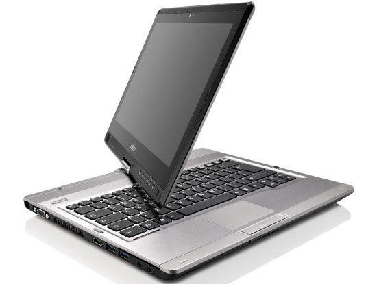 Das Fujitsu Lifebook T902 ist ein typischer DREH-Convertible, der sich je nach Bedarf als Tablet oder als Laptop nutzen lässt.