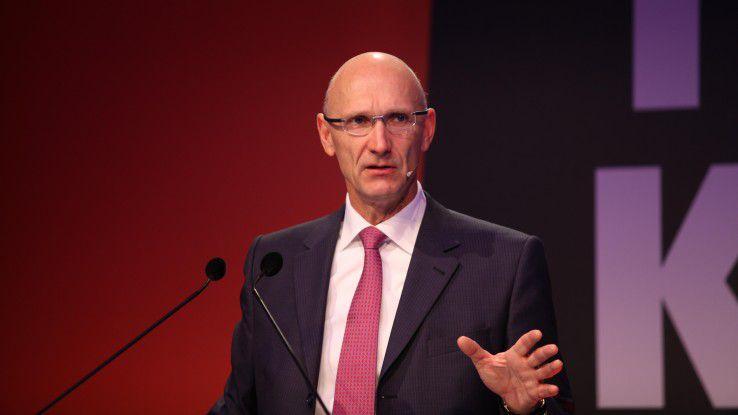 Telekom-Chef Tim Höttges sieht die Wettbewerbsfähigkeit der europäischen Telcos gefährdet.