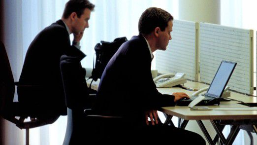 Nicht zeitgemäß: Die Mehrheit der User stellt der IT-Ausstattung am Arbeitsplatz ein miserables Zeugnis aus.