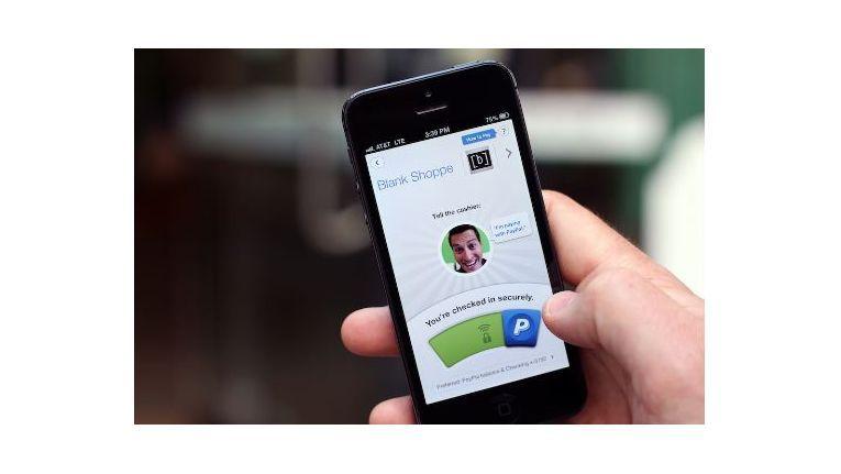 Der Anwender benötig auf seinem Smartphone eine Paypal-App.