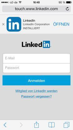 Das Business-Portal LinkedIn bietet eine gut gemachte mobile Website, weist aber beim Start ausdrücklich auf die App hin. Wer alle Funktionen nutzen möchte ist damit besser bedient.