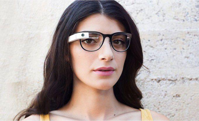 Google Glass soll zum Marktstart natürlich schöner werden als die sehr technischen Prototypen.