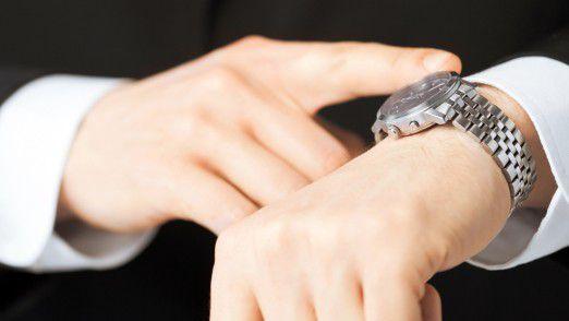 Die Technik rückt immer näher an den Menschen heran. Die Uhr am Handgelenk (Wearable) ist nach Notebook, Tablet und Smartphone der nächste logische Schritt.