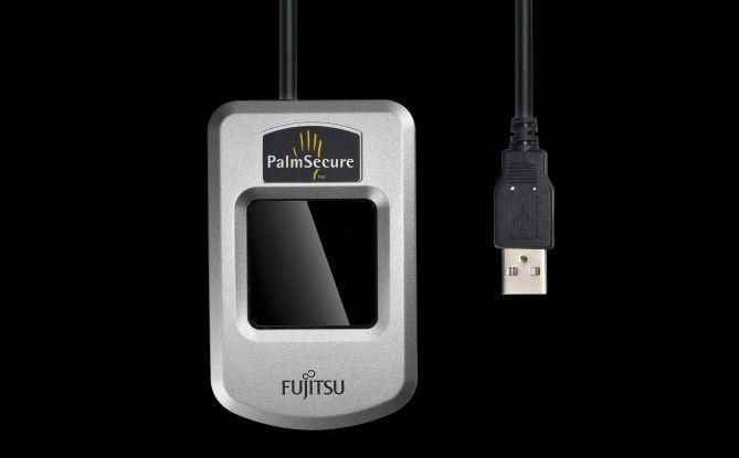 Fujitsu PalmSecure nutzt das berührungslose Scannen der Venenmuster, um die Identität einer Person feststellen zu können.