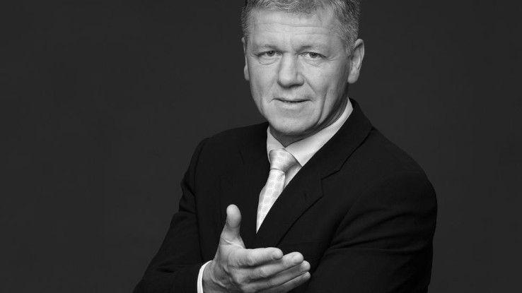 Führungsexperte Reinhard K. Sprenger meint: Unternehmen entwickeln mit zunehmender Größe eine Eigenlogik, die auf Kosten der Außensensibilität geht.