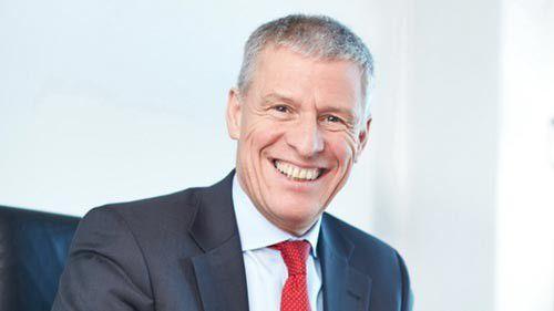 Heinz Kreuzer, Chef des Tui-internen IT-Dienstleisters Tui-Infotec hat gut lachen. Seine Firma hat bei der Tui Service AG ein SAP ERP-System in sechs Monaten eingeführt; Oracle wird ablöst.
