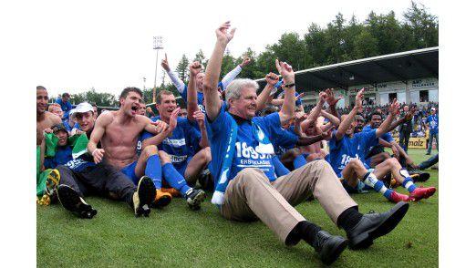 Dietmar Hopp feiert den Bundesligaaufstieg 'seiner' TSG 1899 Hoffenheim (2008)